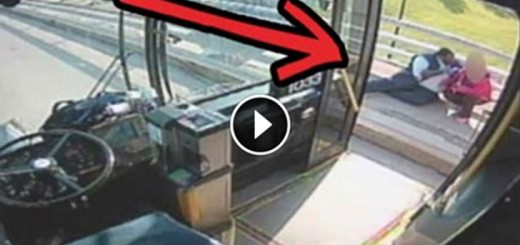 Cameras Catch This Bus Driver Leave His Bus Behind